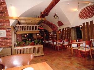 Внутри в ресторане Балканский дворик