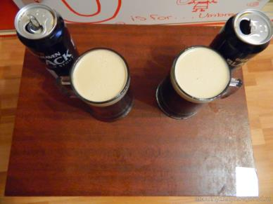 Цвет пены Belhaven stout and Brains stout