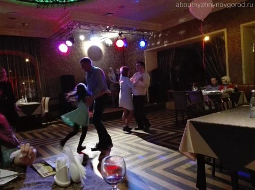 Танцпол в Плакучей Иве