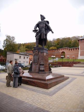 Памятник Петру Первому в Нижнем Новгороде